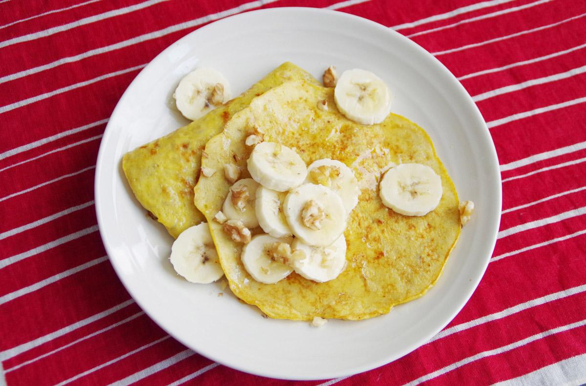 材料はバナナと卵だけ!小麦粉や砂糖を使わないパンケーキ
