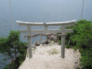琵琶湖に浮かぶパワースポット 竹生島:かわらけ投げ