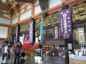 琵琶湖に浮かぶパワースポット 竹生島:本堂お賽銭箱