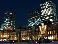都内近郊の癒しのイルミネーションスポット:東京駅舎のイルミネーション1