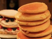 今人気のホットケーキを作って食べ比べ:これは絶対やりたかった!パンケーキタワー!!